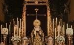 Con flores a Maria Santísima de los Dolores